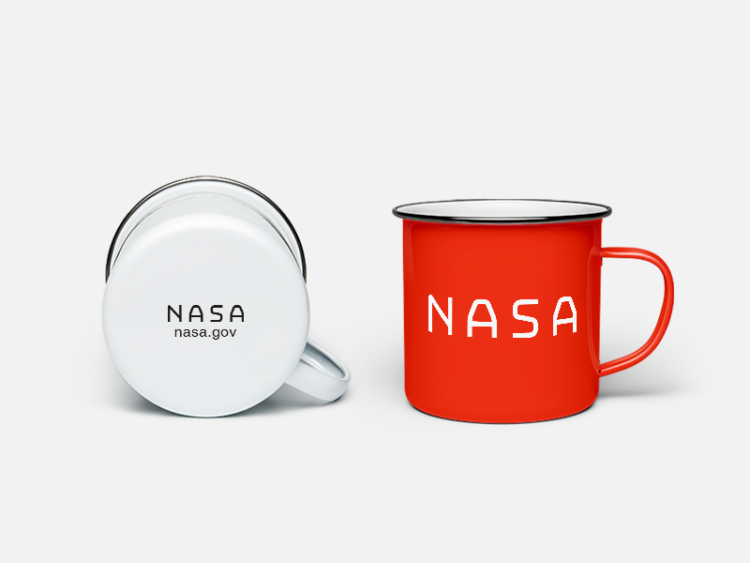 nasa mug white and red. nasa becher in weiss und rot.